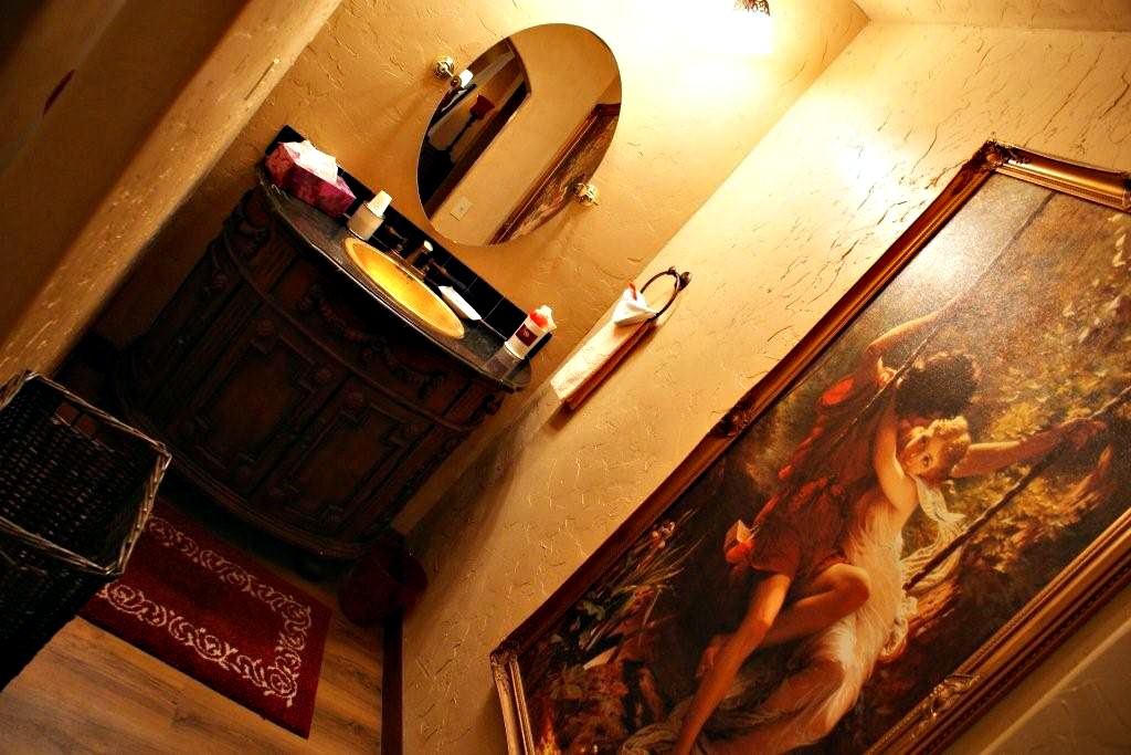 gallery-french-hen-bathroom