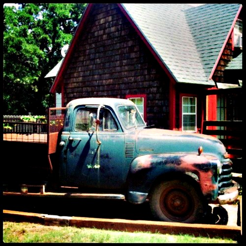 gallery-wesley-meadowlark-barn-53-chevrolet-truck