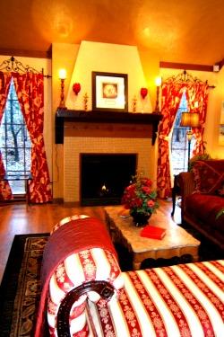 sdbar-french-hen-sitting-room-fireplace